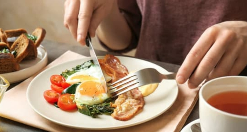egg contains high cholesterol