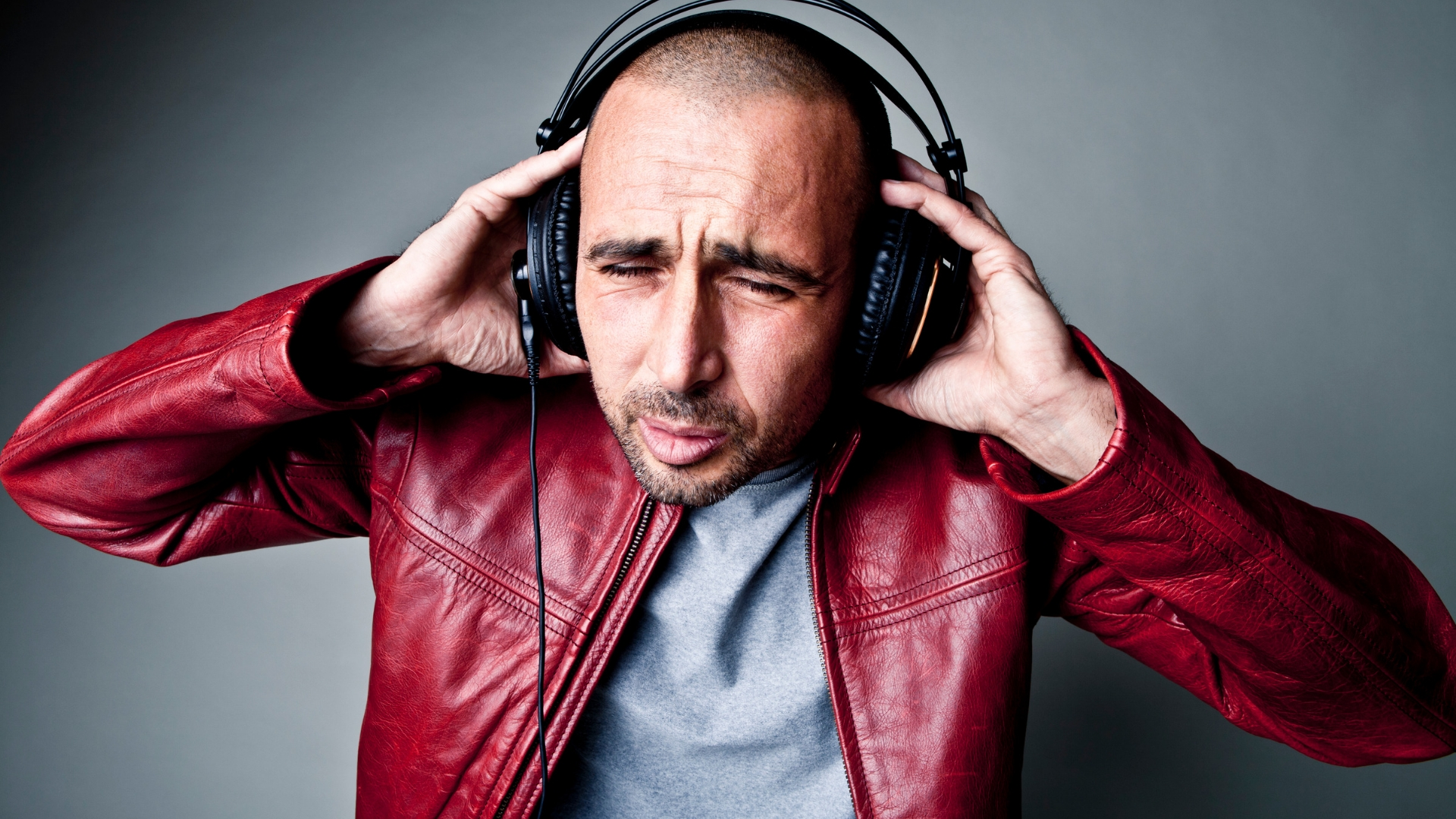 listen music bad for ears and brain